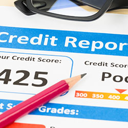 A sample credit report showing a poor credit score of 425.